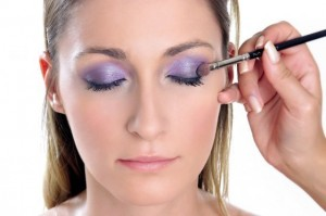 How To Apply Purple Eyeshadow